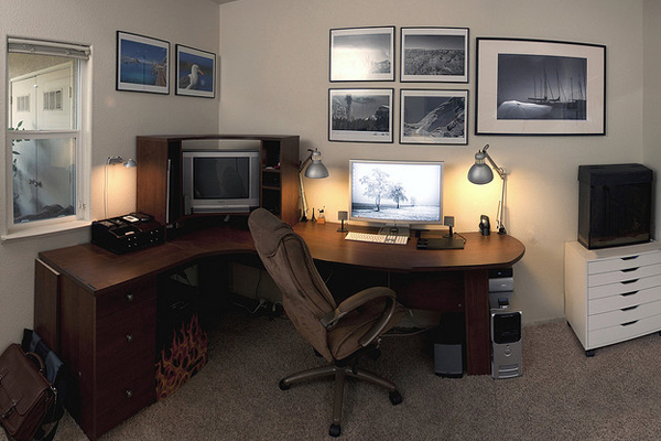 apple cinema display Inspirational Workspace: 60 Awesome Setups