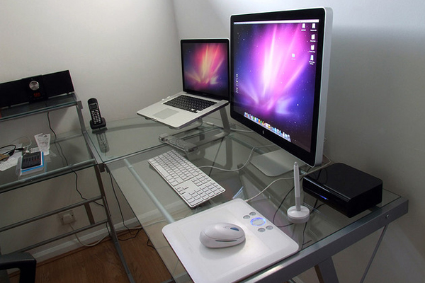 chris spooner designer office tablet Inspirational Workspace: 60 Awesome Setups