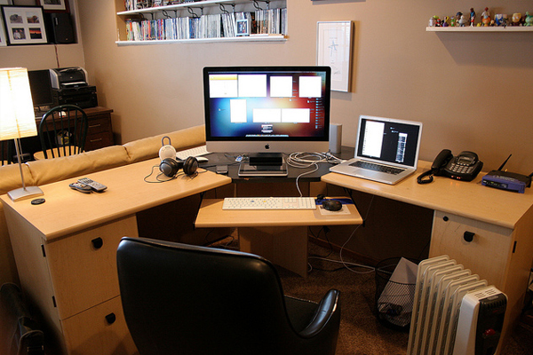 creative setup april 2010 Inspirational Workspace: 60 Awesome Setups