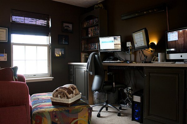 custom deskt 2009 imac Inspirational Workspace: 60 Awesome Setups