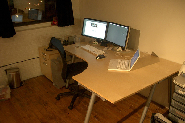 january 2007 small office Inspirational Workspace: 60 Awesome Setups