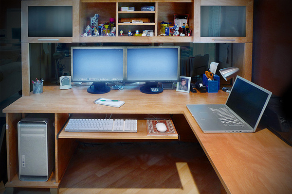 red rocket media group Inspirational Workspace: 60 Awesome Setups