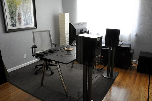 sunlight black studio work Inspirational Workspace: 60 Awesome Setups