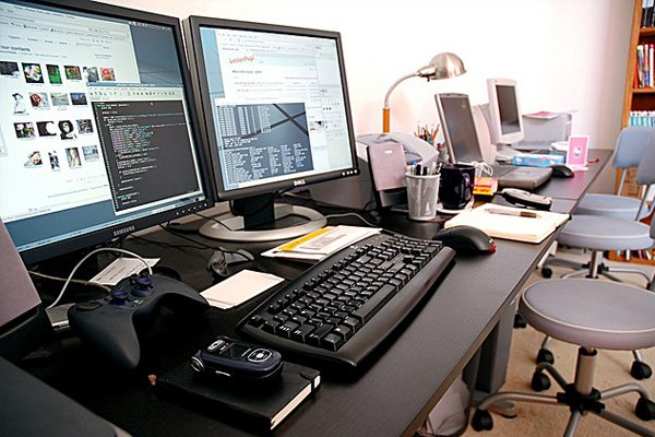 ubuntu home office Inspirational Workspace: 60 Awesome Setups