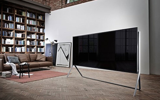 Samsung 105-inch UN105S9B, the World's First and Largest Bendable SUHD TV