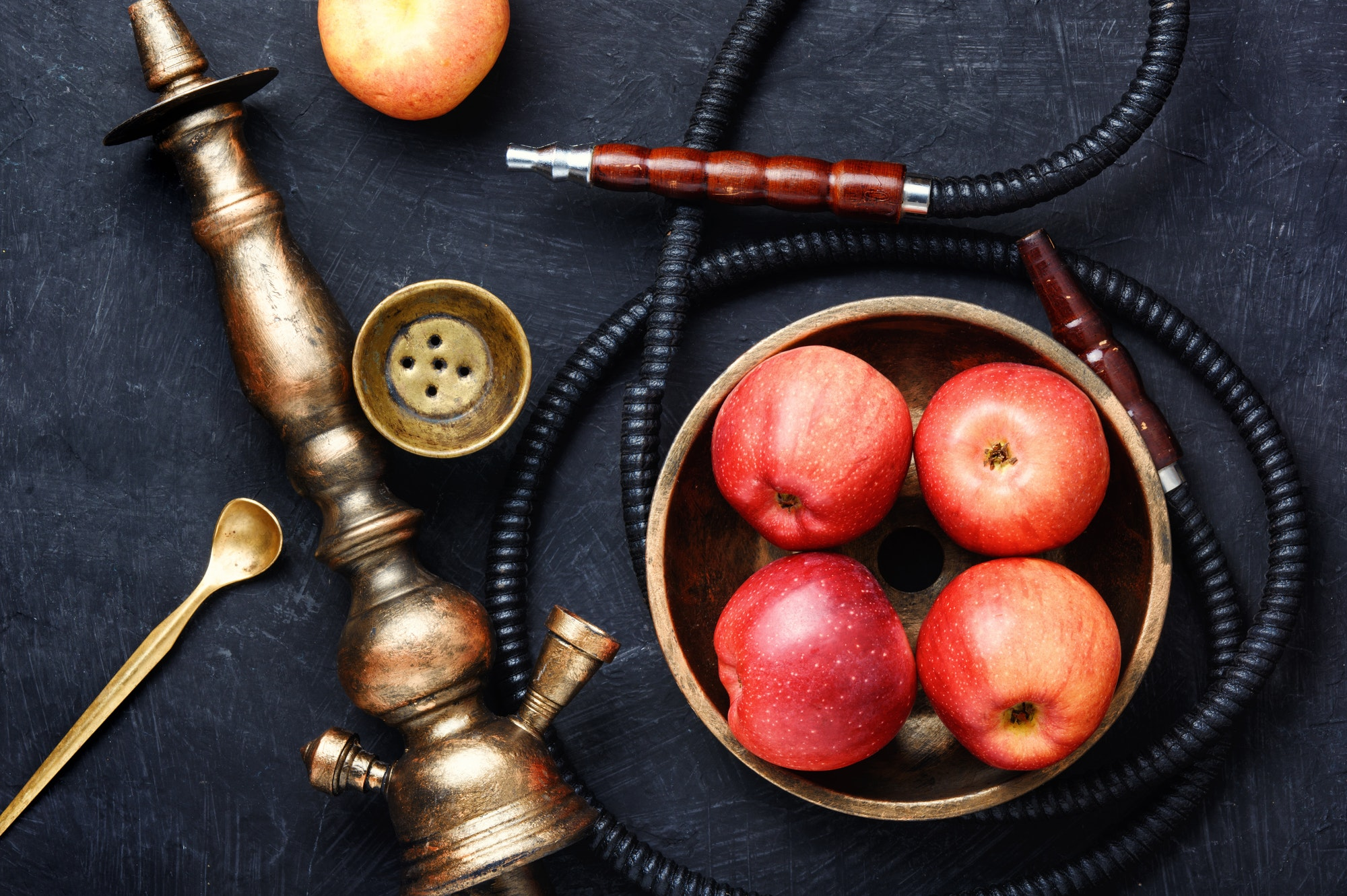 Nargile with apple