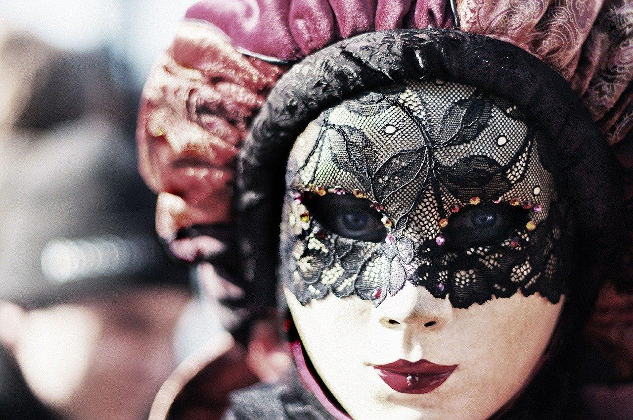 Melbourne Cup Carnival Fashion