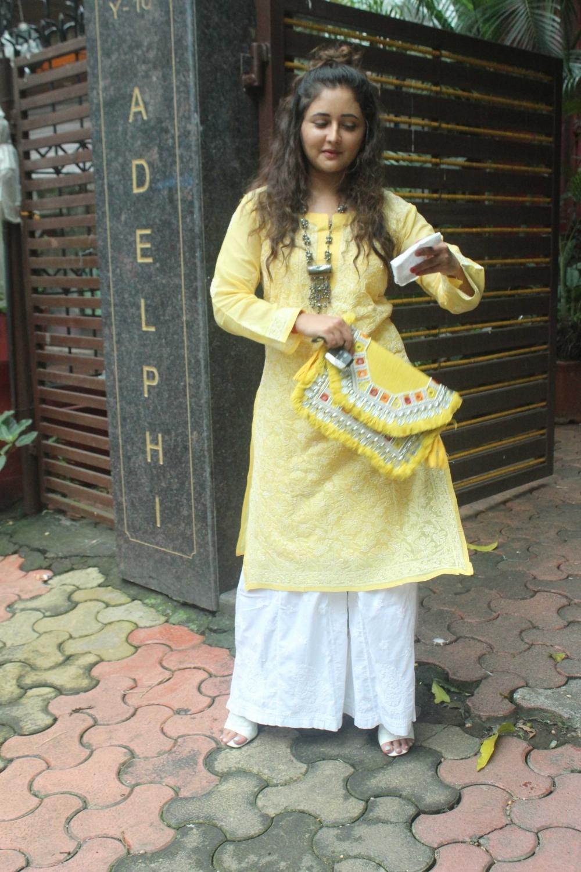 Rashmi Desai seen in Mumbai's Andheri   SaveDelete