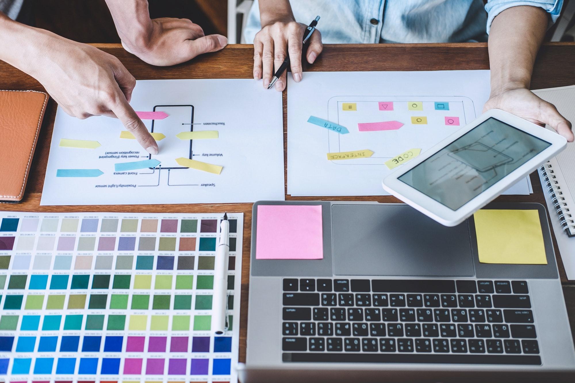 Team of Creative Web/Graphic Designer planning