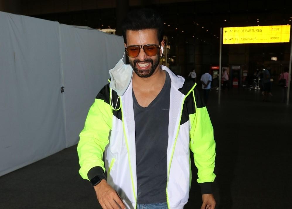Actor Aamir Ali seen at the Chhatrapati Shivaji Maharaj International Airport in Mumbai