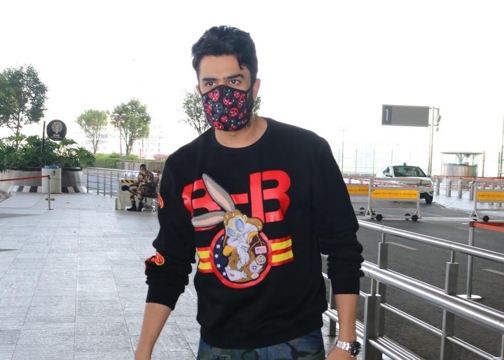 Actor Manish Paul seen at the Chhatrapati Shivaji Maharaj International Airport in Mumbai