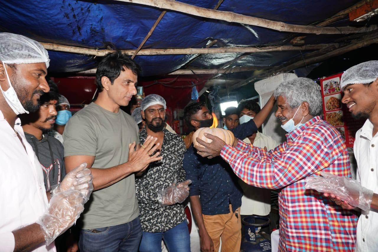 Actor Sonu Sood seen at a fast food centre at Hyderabad's Begumpet