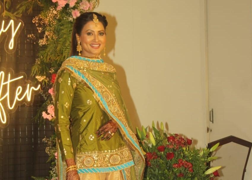 Actress Nigaar Khan at the wedding reception of her sister Gauahar Khan and Bollywood music composer Ismail Darbar's son Zaid Darbar, in Mumbai