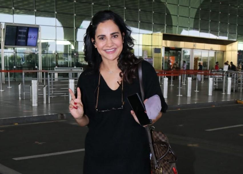 Singer and actress Lizaa Malik seen at the Chhatrapati Shivaji Maharaj International Airport in Mumbai