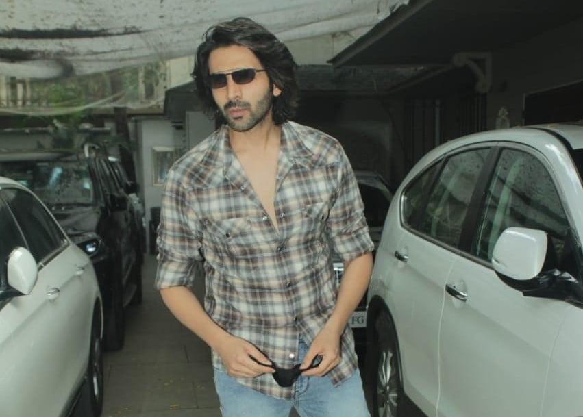 Actor Kartik Aaryan seen at Juhu in Mumbai