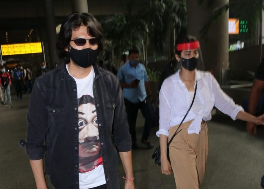Actors Kartik Aaryan & Janhvi Kapoor seen at the Chhatrapati Shivaji Maharaj International Airport in Mumbai