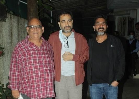 Actors Pankaj Tripathi & Satish Kaushik at the special screening of their upcoming film 'Kaagaz', in Mumbai