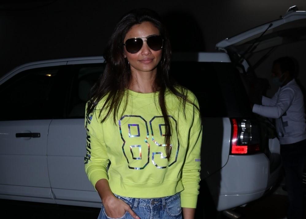Actress Daisy Shah seen at Airport