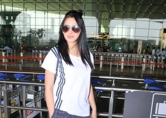 Actress Mahira Sharma seen at the Chhatrapati Shivaji Maharaj International Airport in Mumbai