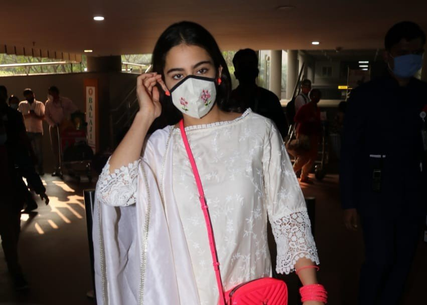 Actress Sara Ali Khan seen at the Chhatrapati Shivaji Maharaj International Airport in Mumbai
