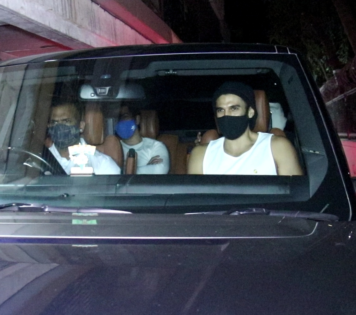 Ranbir Kaooor & Aditya Kapur Snapped At Arjun Kapoor House Juhu