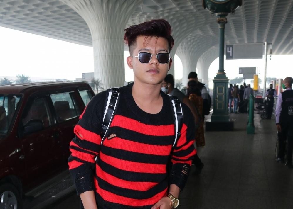 Riyaz Ali Seen At Airport Departure