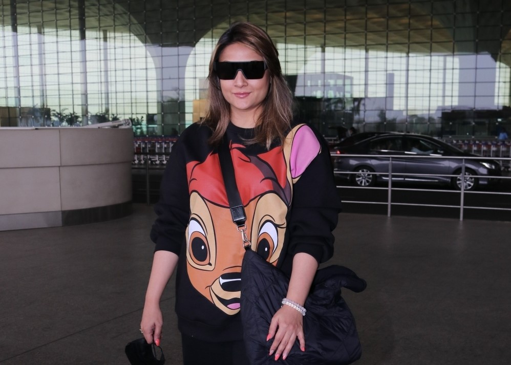Urvashi Dholakia Spotted At Airport Departure