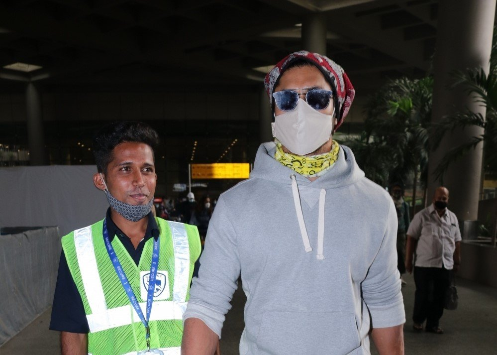 Vidyut Jammwal Spotted At Airport Arrival.
