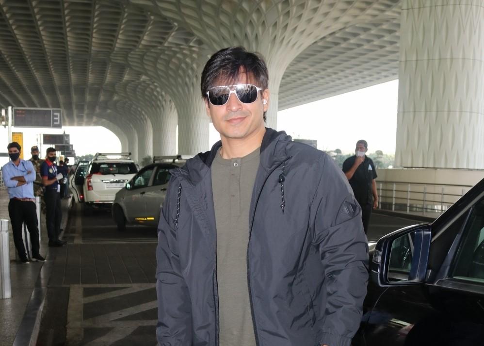 Vivek Oberoi seen at Airport Departure