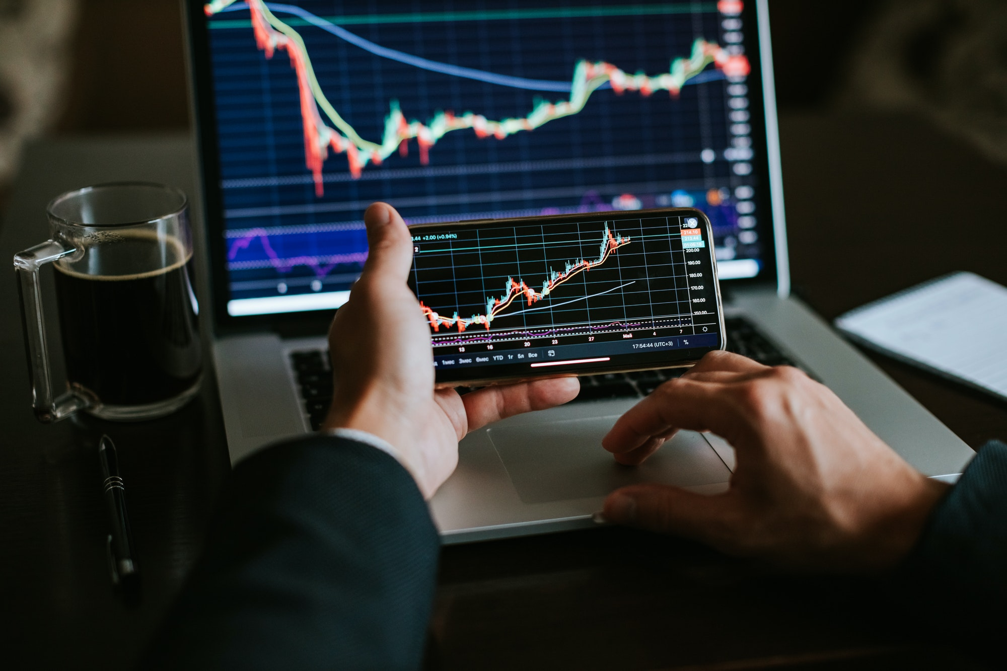 investment stockbroker stock market trading