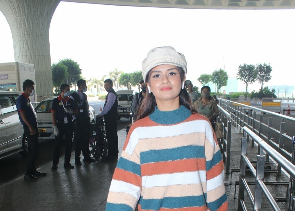 Actress Avneet Kaur spotted st Airport Departure