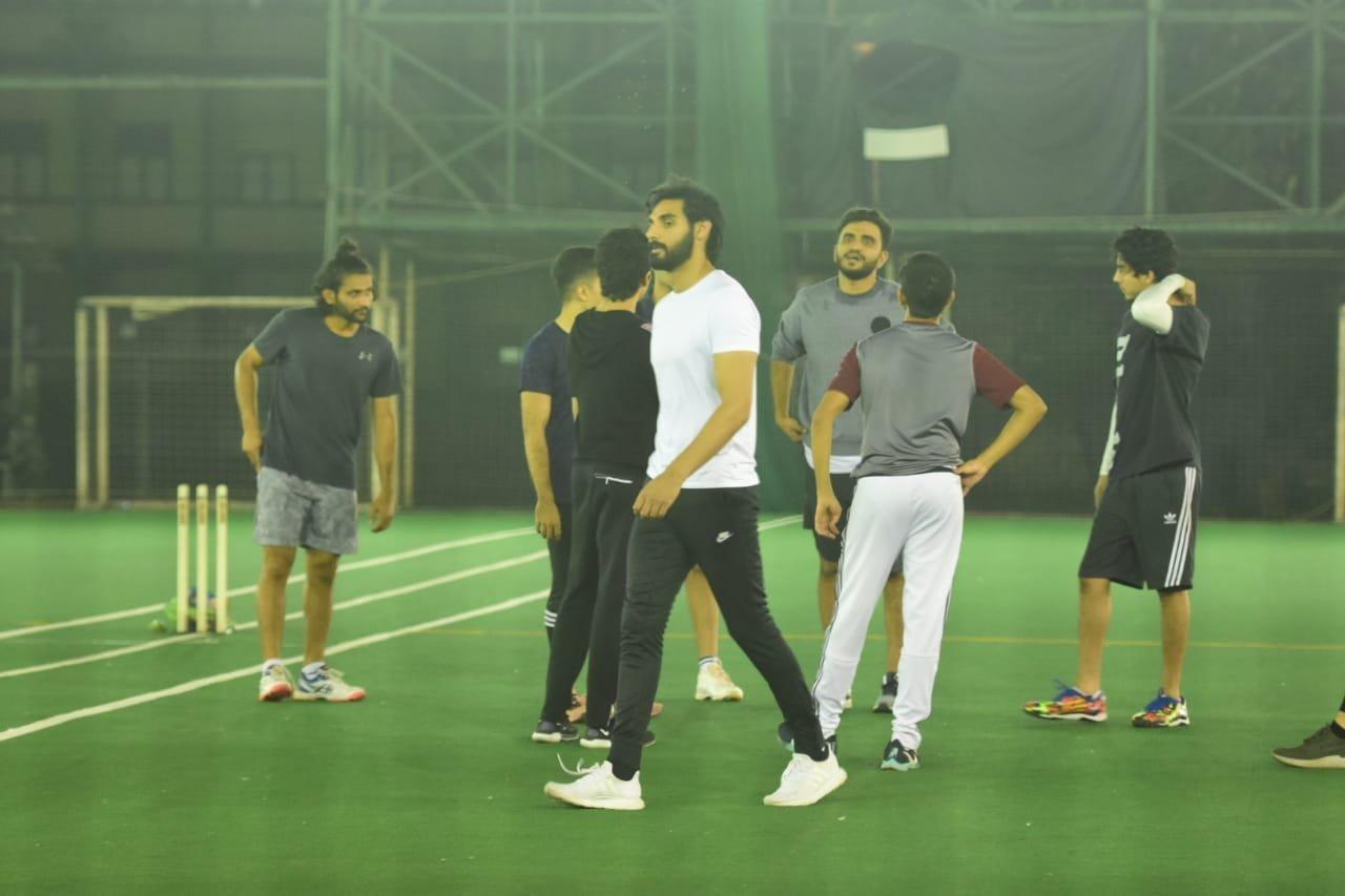 Aryan Khan And Ahan Shetty Spotted Playing Cricket at Bandra