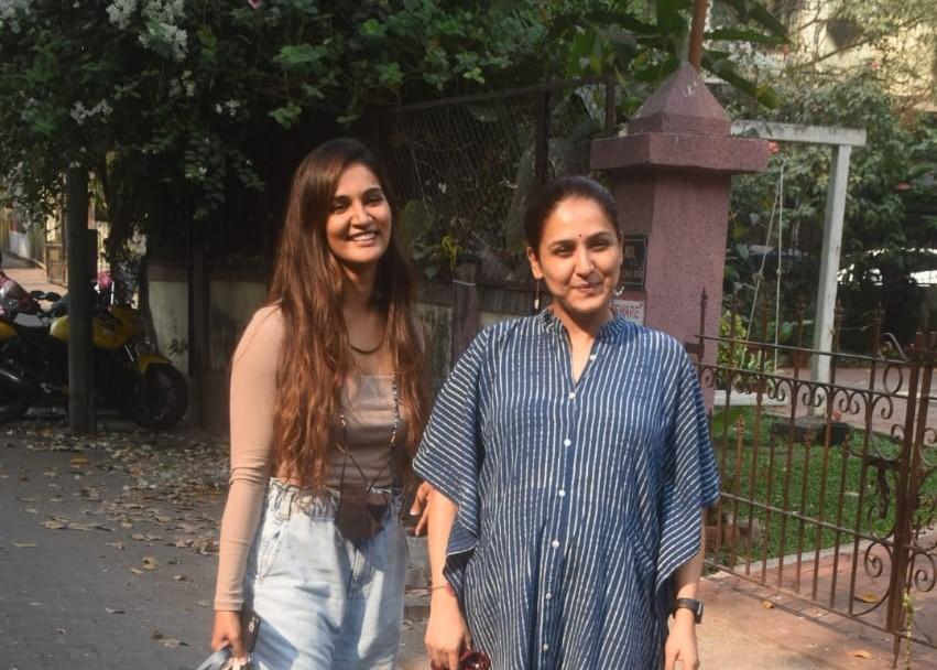 Neeti mohan and Mukti mohan snapped at Bandra