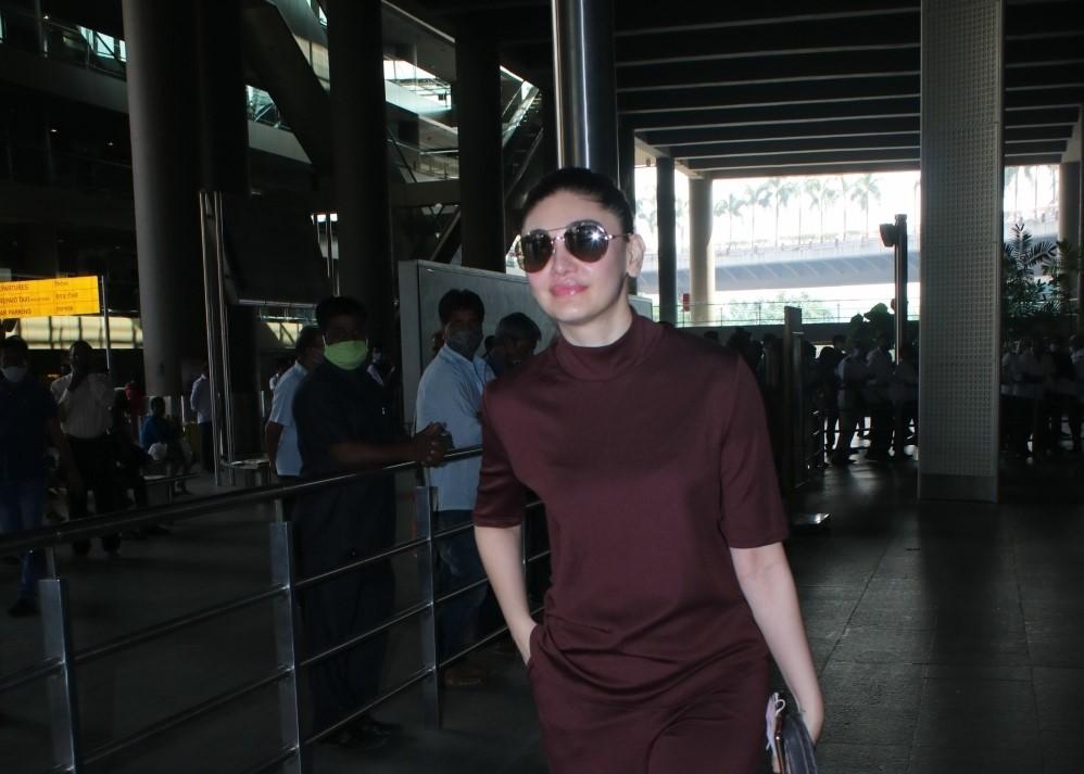 Shefali Jariwala seen at Airport Departure