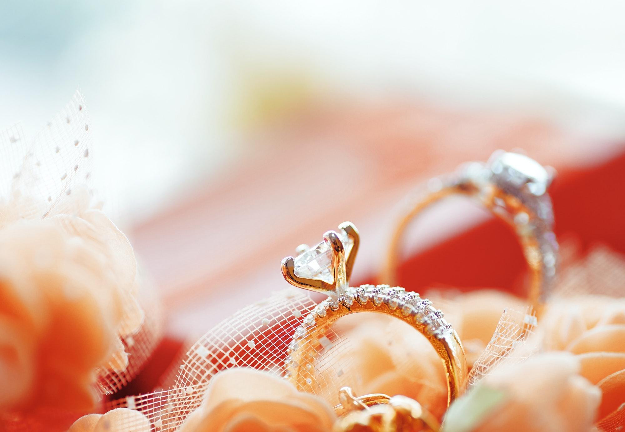 The diamond engagement rings