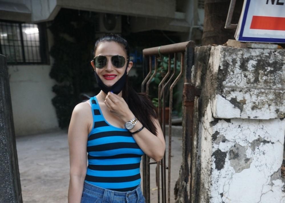 Ameesha Patel spotted saloon in Juhu