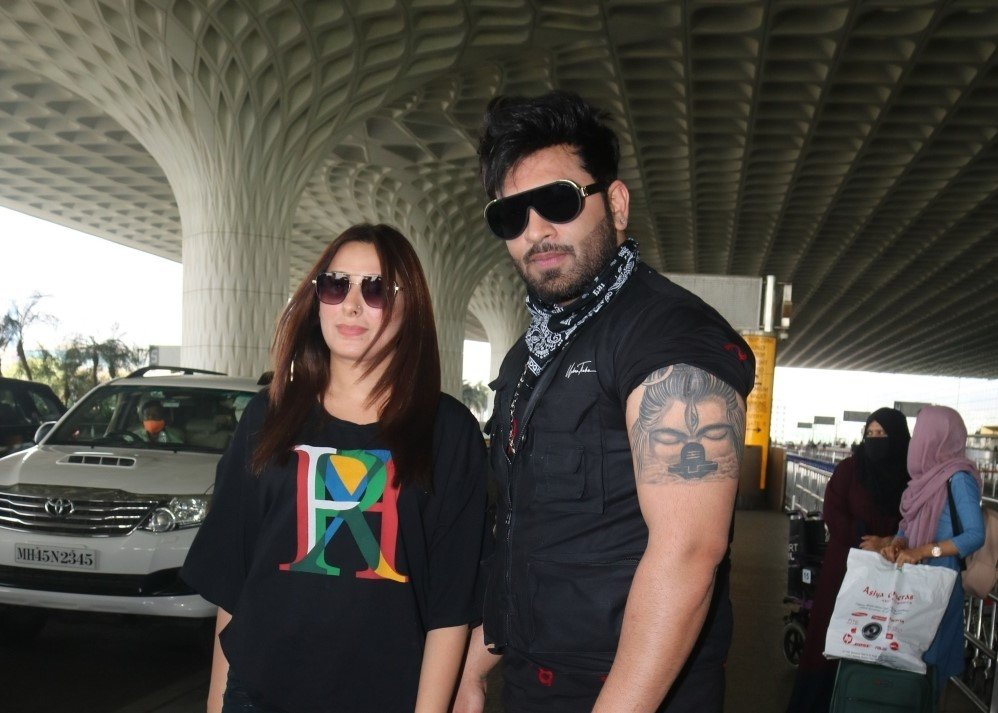 Paras Chhabra & Paras Chhabra spotted at Airport departure