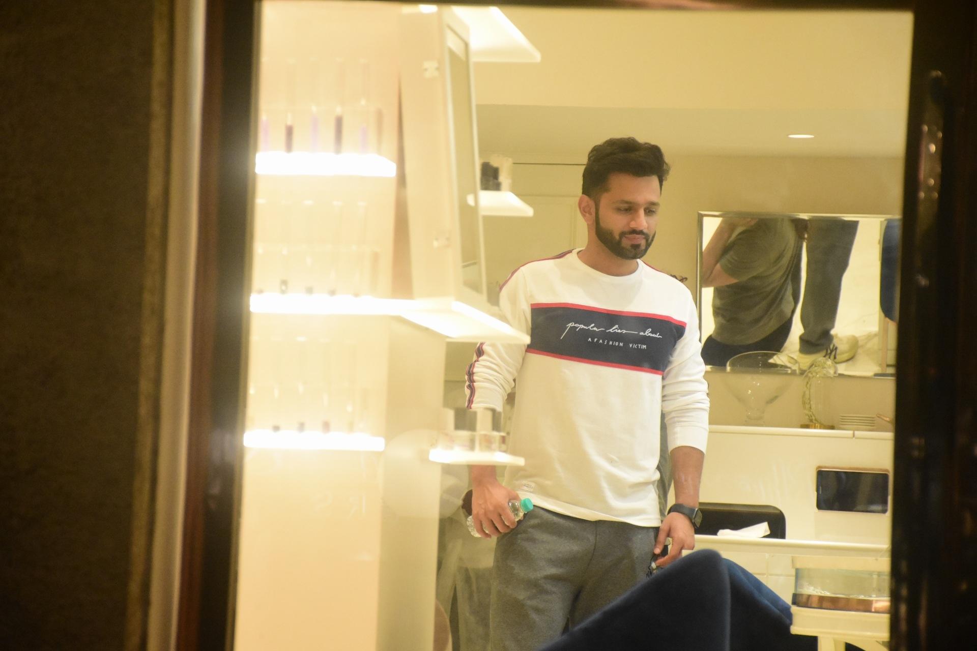 Rahul Vaidya And Disha Parmar Spotted At The White Door Bandra