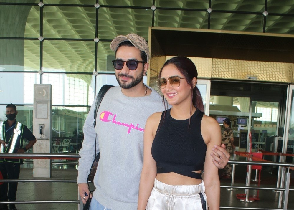 Aly Goni & Jasmin Bhasin Spotted at Airport Departure