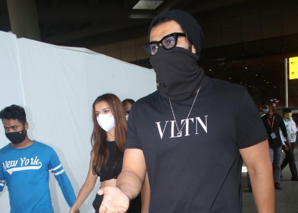 Arjun Kapoor & Tara Sutaria Spotted at Airport Arrival