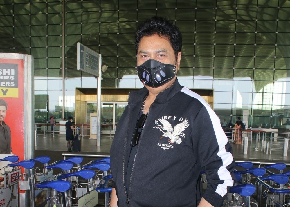 Kumar Sanu spotted at airport departure