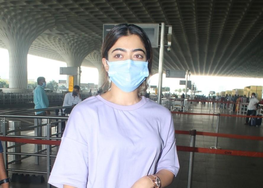 Rashmika mandana spotted at airport departure.