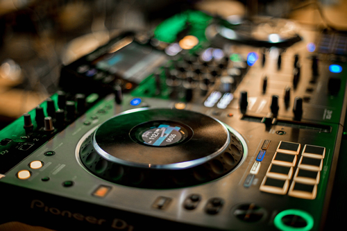 What All DJ Newcomers Need to Know When Buying DJ Gear