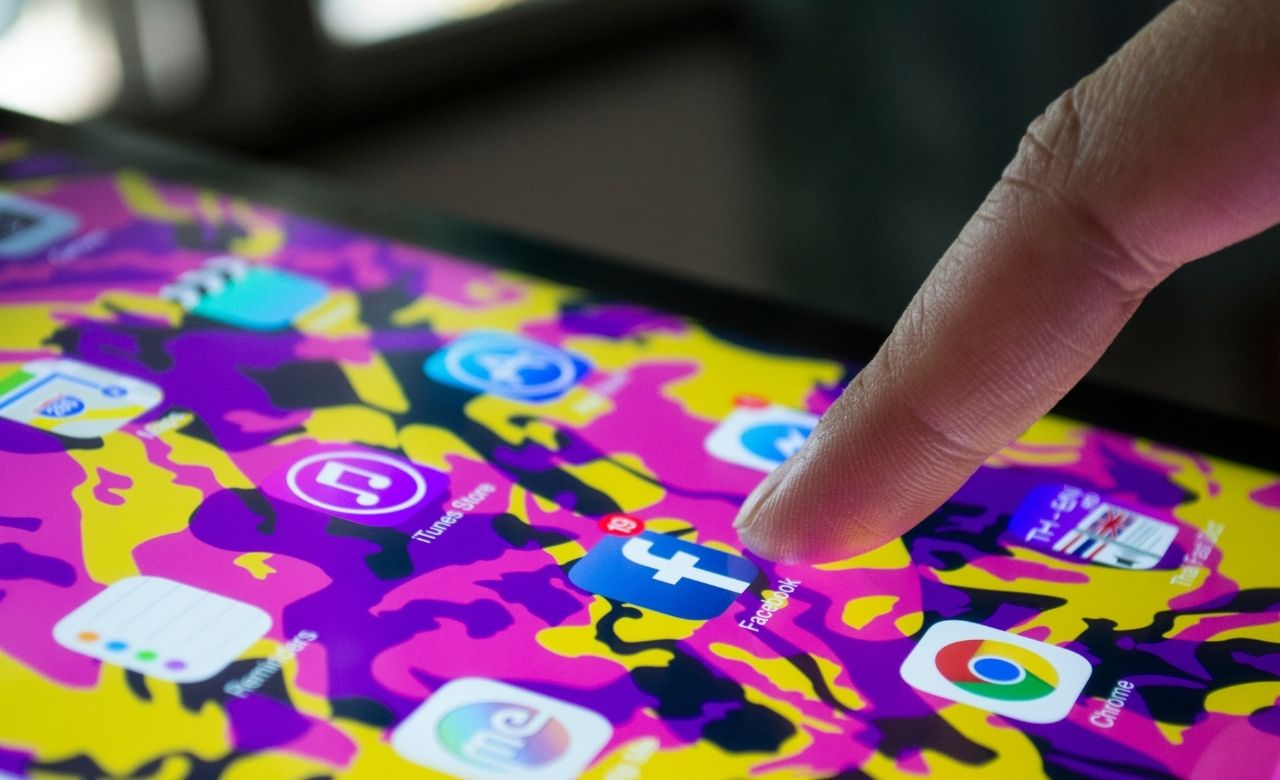 Social Platforms: Support Community of Digital Advertisers